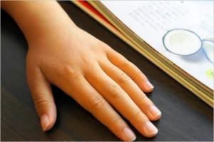 手の甲の腫れ